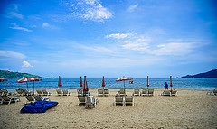 Flickr_Beach_Umbrellas_14004927459_8f823cf297_m